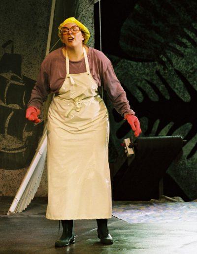 """Edna in """"Die Makrele"""", Tiroler Volksschauspiele, Regie Ruth Drexel, © 2005 Kathrin Schäfer"""