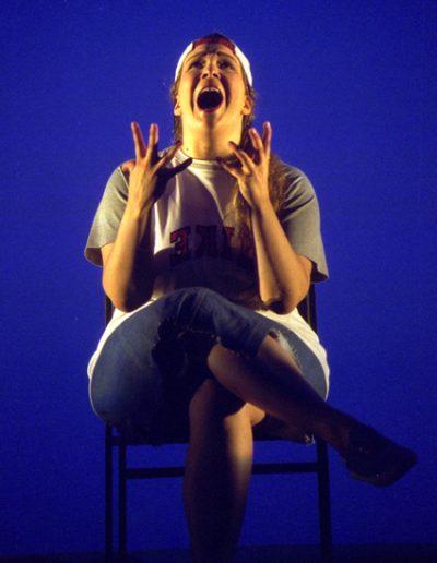 "die Frau in ""Bash"", Nationaltheater Mannheim, Regie Marlon Metzen, © 2001 Hans Jörg Michel"